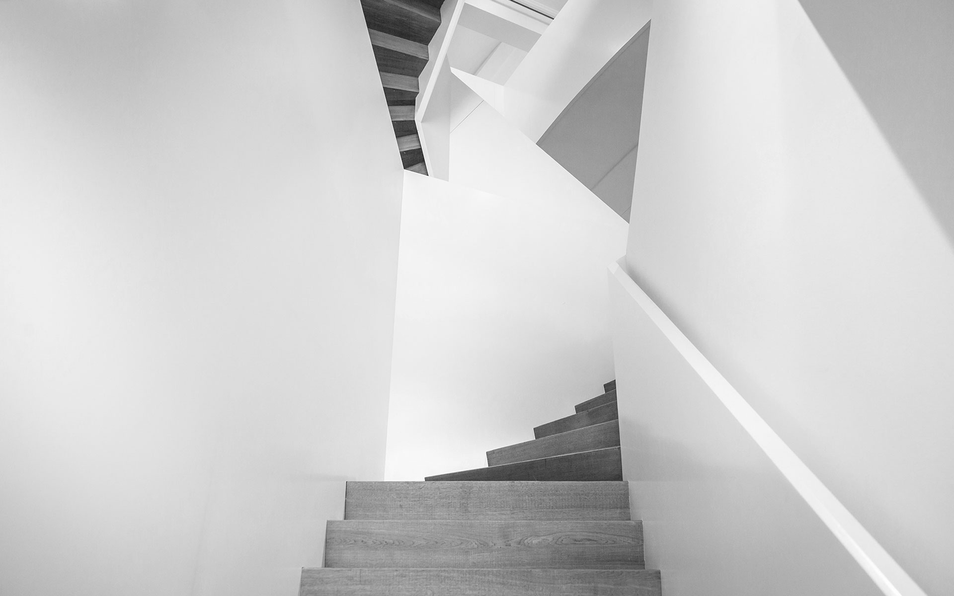 RUBOW_Office_Stairs-1920-SH